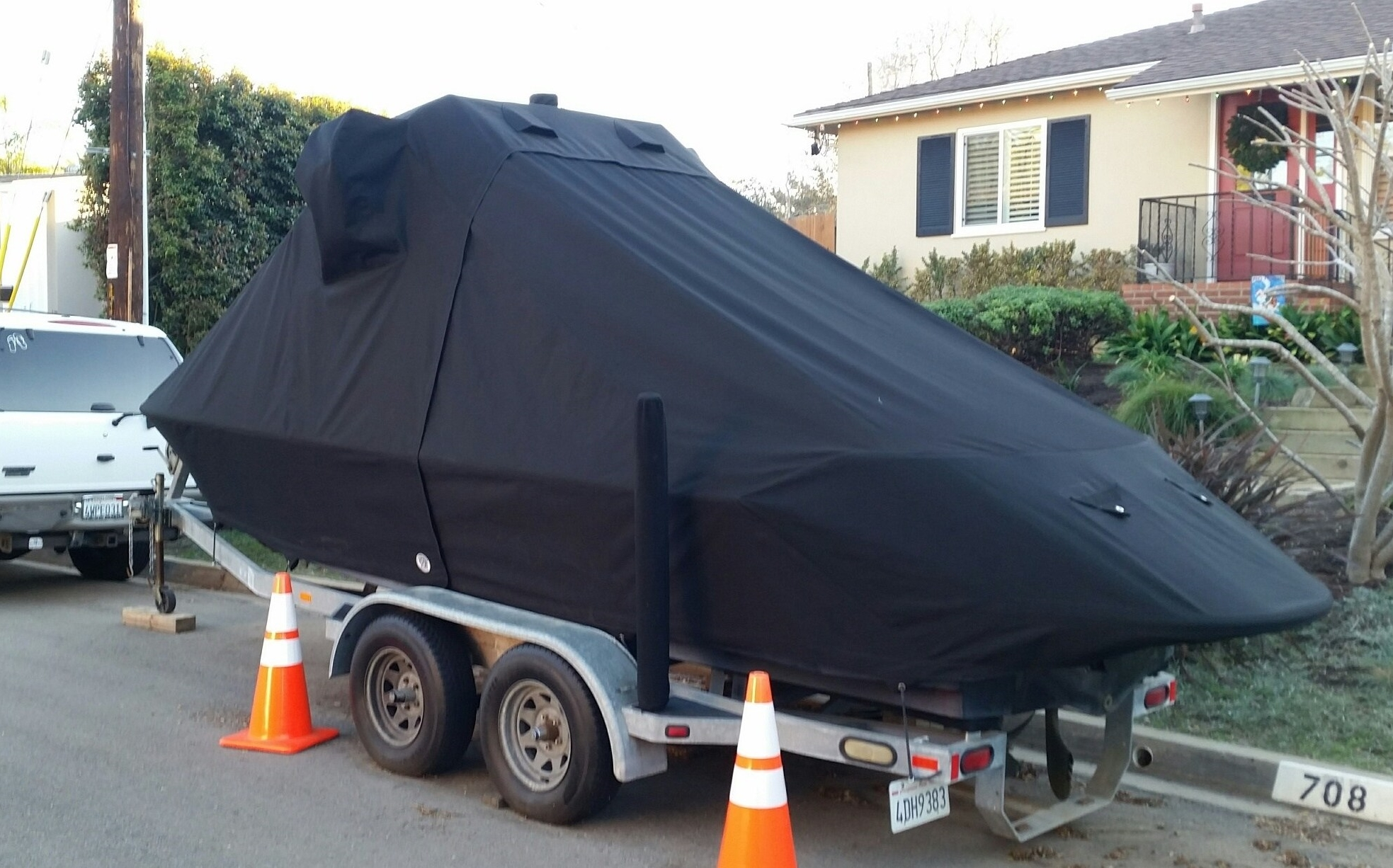 Well fitted boat cover